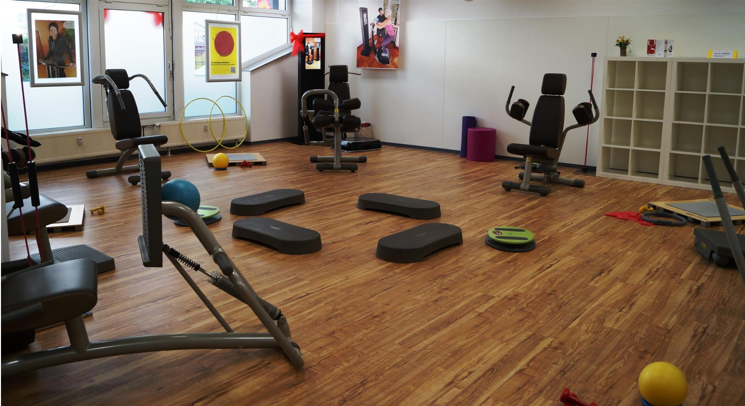Fitness Raum im Frauensport Club